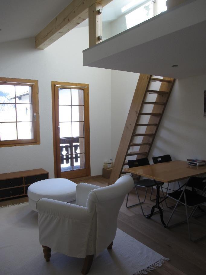 Wohnzimmer mit Leiter