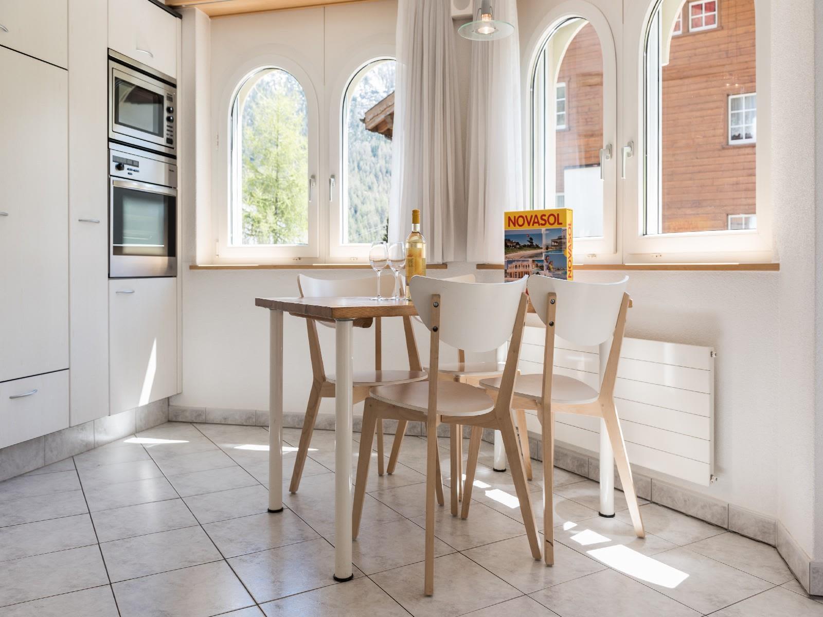 6.3 Essbereich Küche