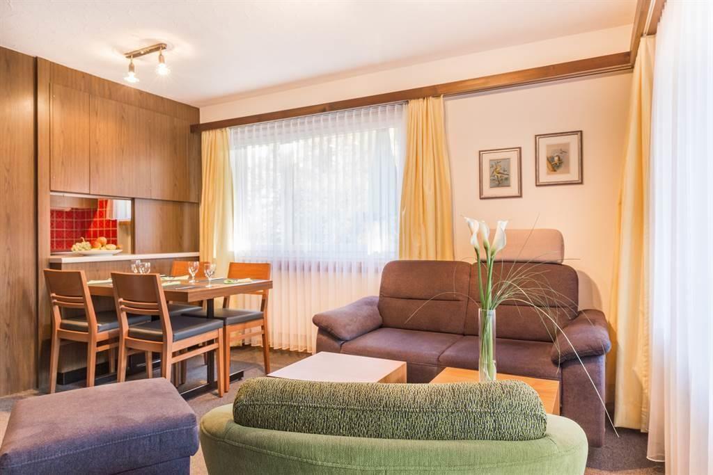 Am Vogelwald 3 ZW Wohnzimmer mit Esstisch