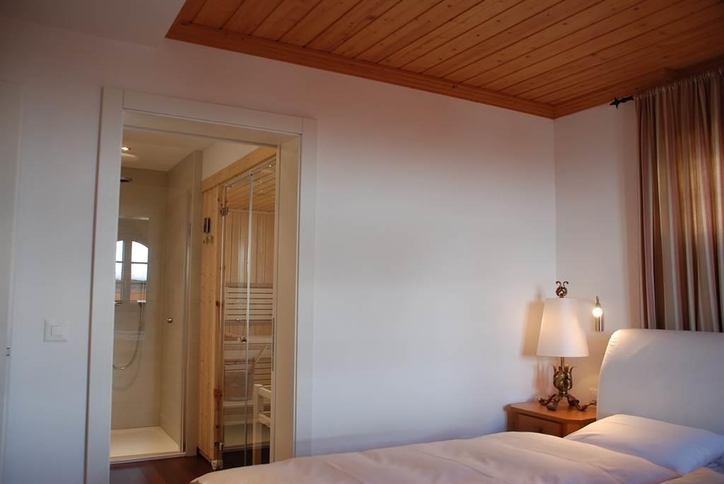 Doppelzimmer b Eingang mit Dusche -Sauna -WC