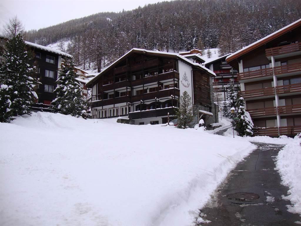 Au Chalel Cairn Zugang Winter