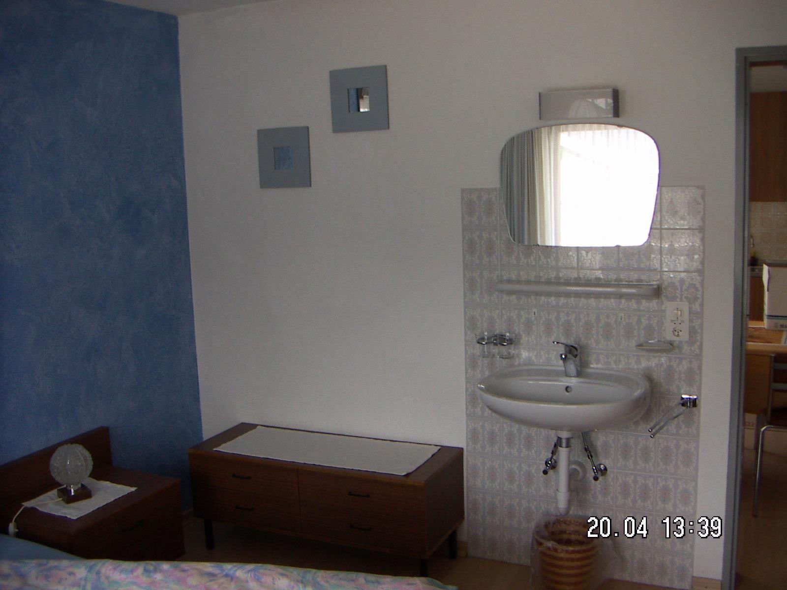 6er-Schlafzimmer2 mit Lavabo2
