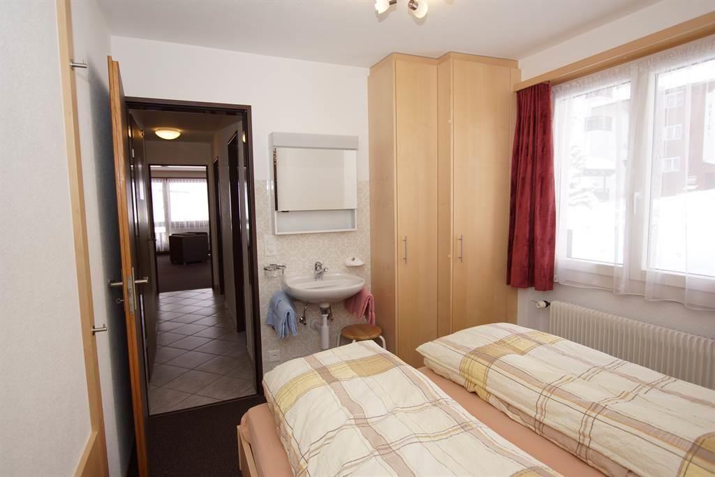 Doppelschlafzimmer / Lavabo / Westseite