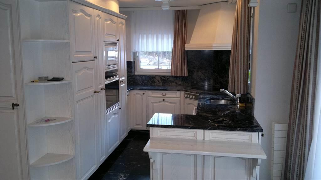 Küche w