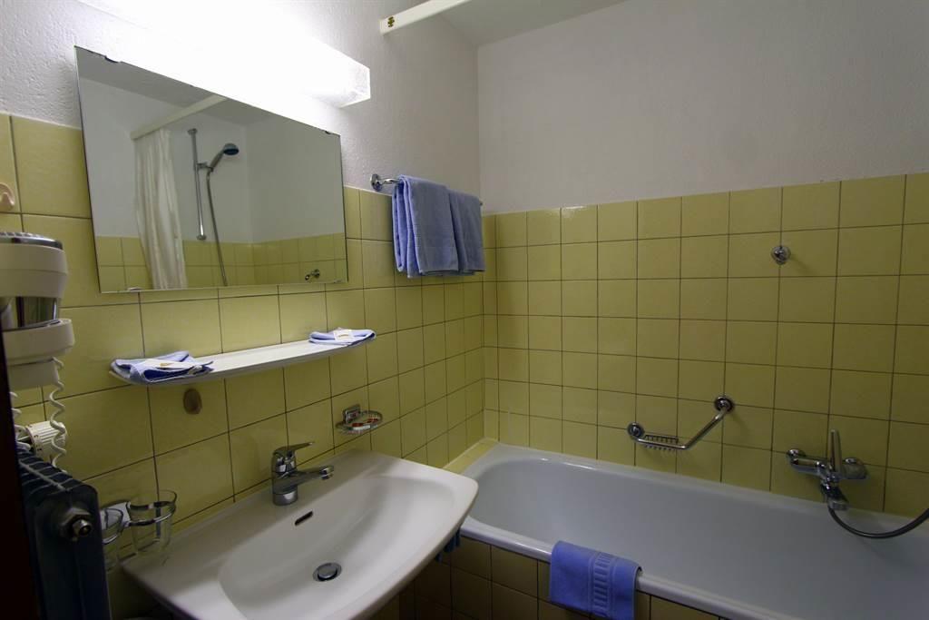 Beispiel Badezimmer DZ Süd