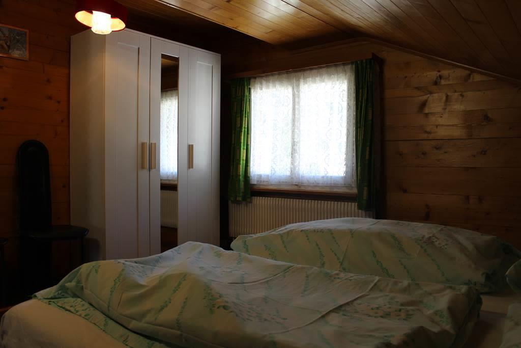 Schlafzimmer 1b
