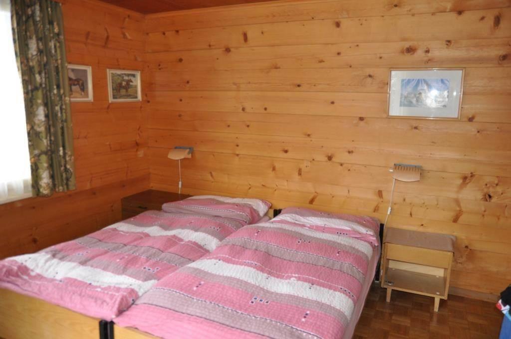 Schlafzimmer 1OG (2)