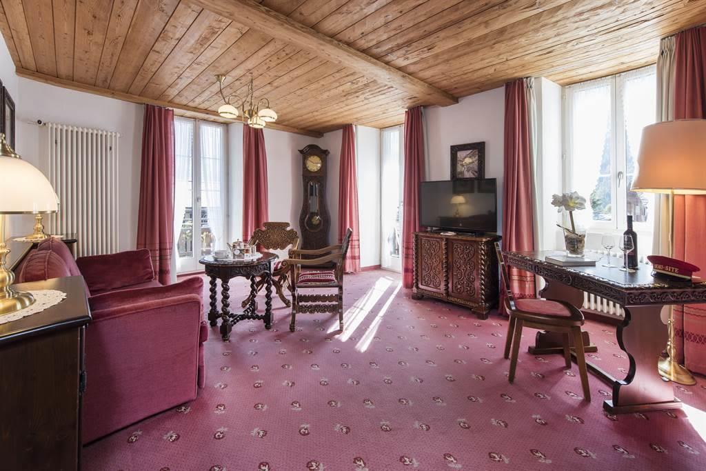 Suite 3_Wohnzimmer 3_Sunstar Hotel Saas-Fee_Origin