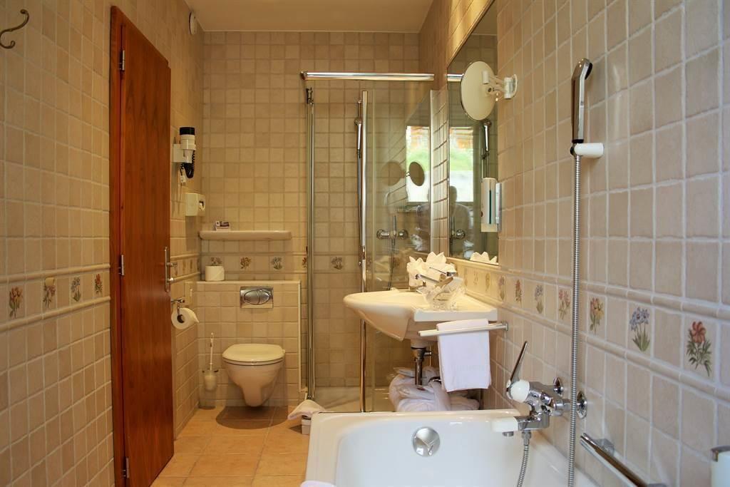 Familienzimmer Badezimmer