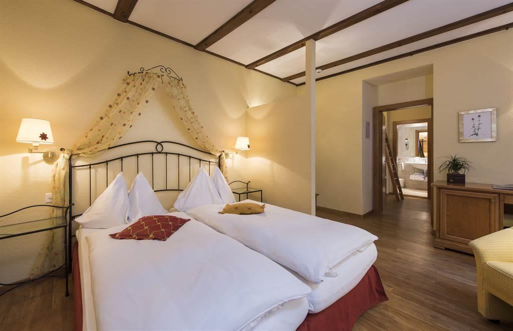 Familienzimmer Komfort 5_Sunstar Hotel Saas-Fee_Or