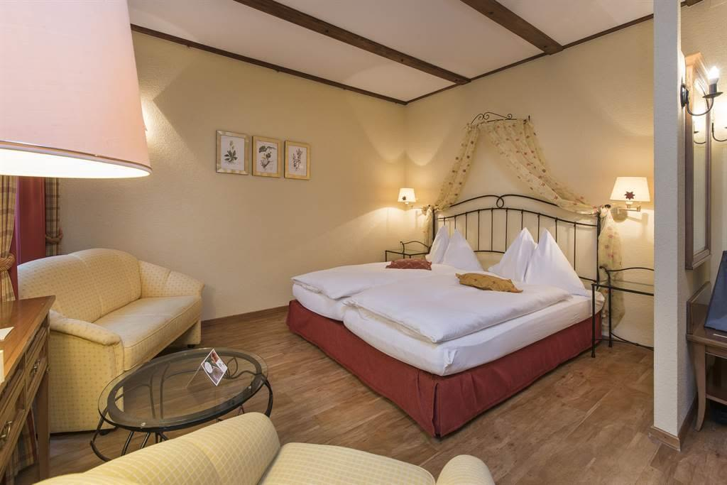 Familienzimmer Komfort 4_Sunstar Hotel Saas-Fee_Or