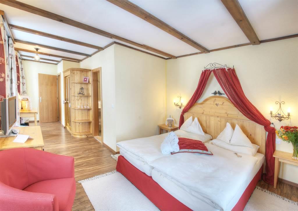 familienzimmer-superior-sunstar-hotel-saas-fee (2)