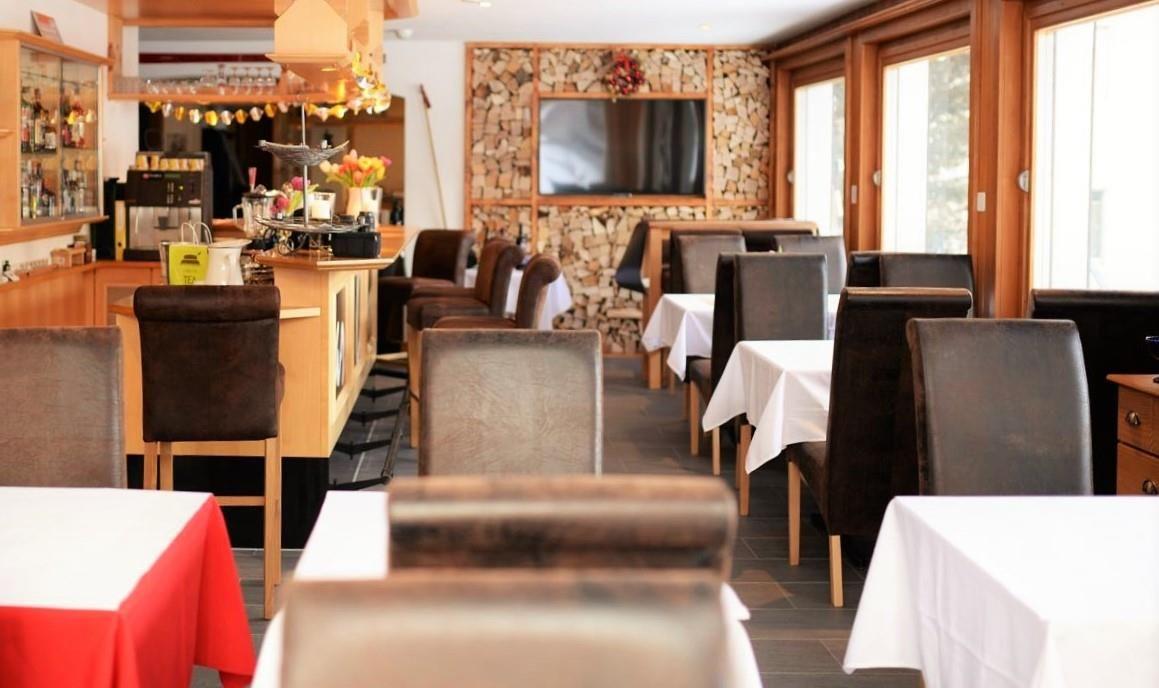 Frühstücksraum und Bar