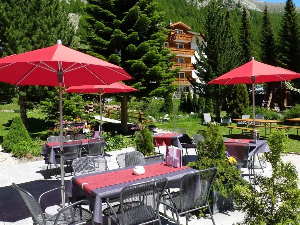 Gartenterrasse Hotel Kristall-Saphir