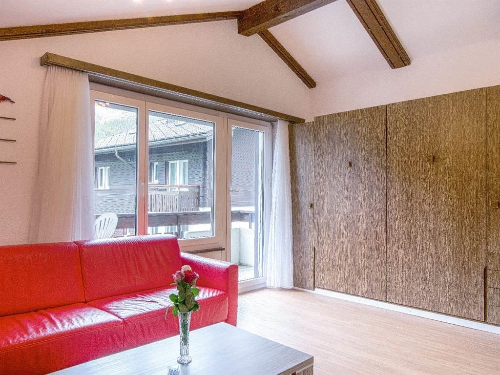 5.1 Wohnbereich mit Wandklappbetten