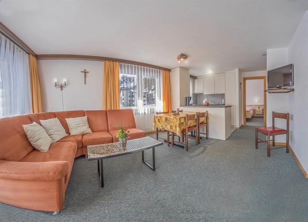 Bergrose 3 Zimmerwohnung Wohnzimmer1