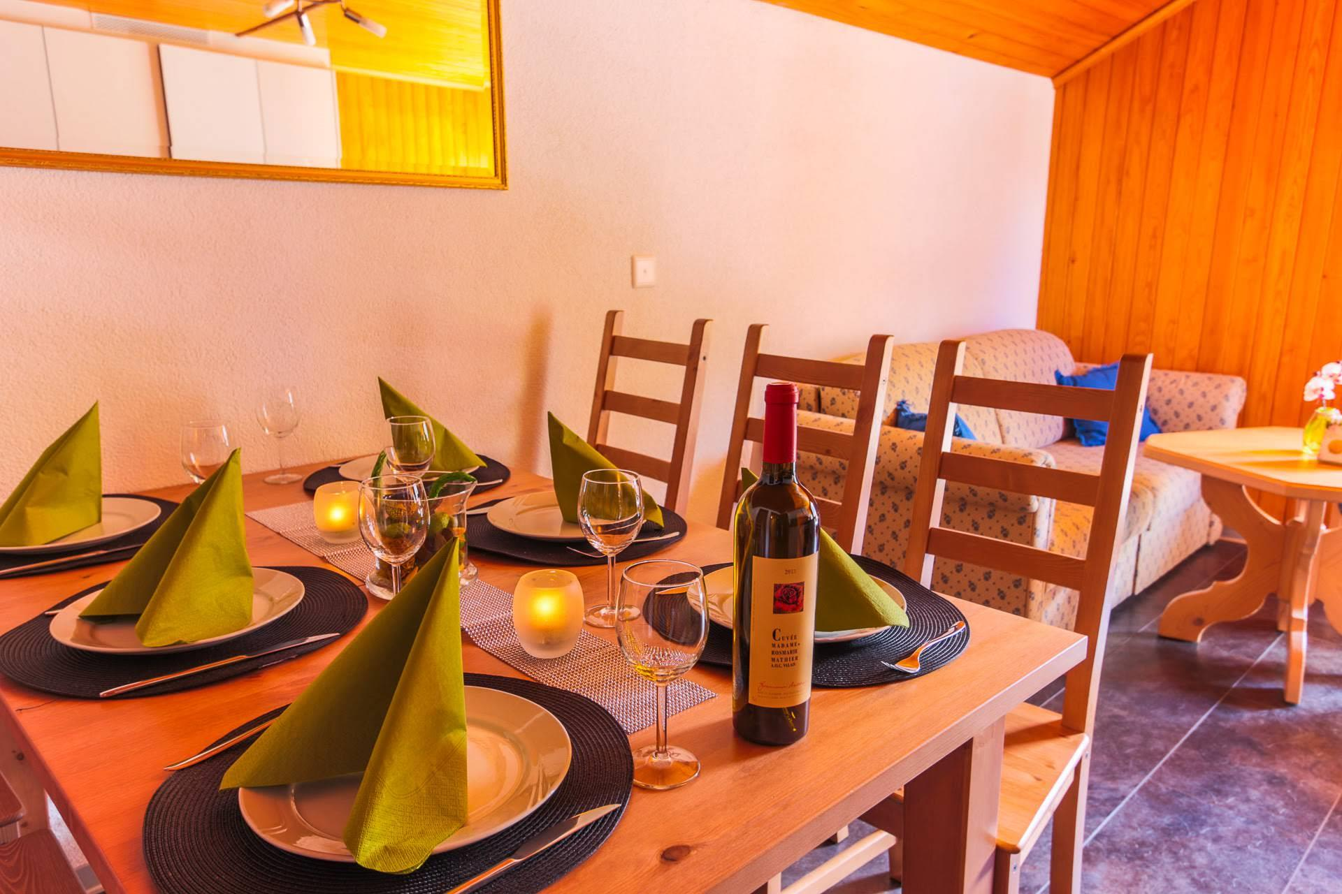 dining and living room - Dom - Monte Rosa