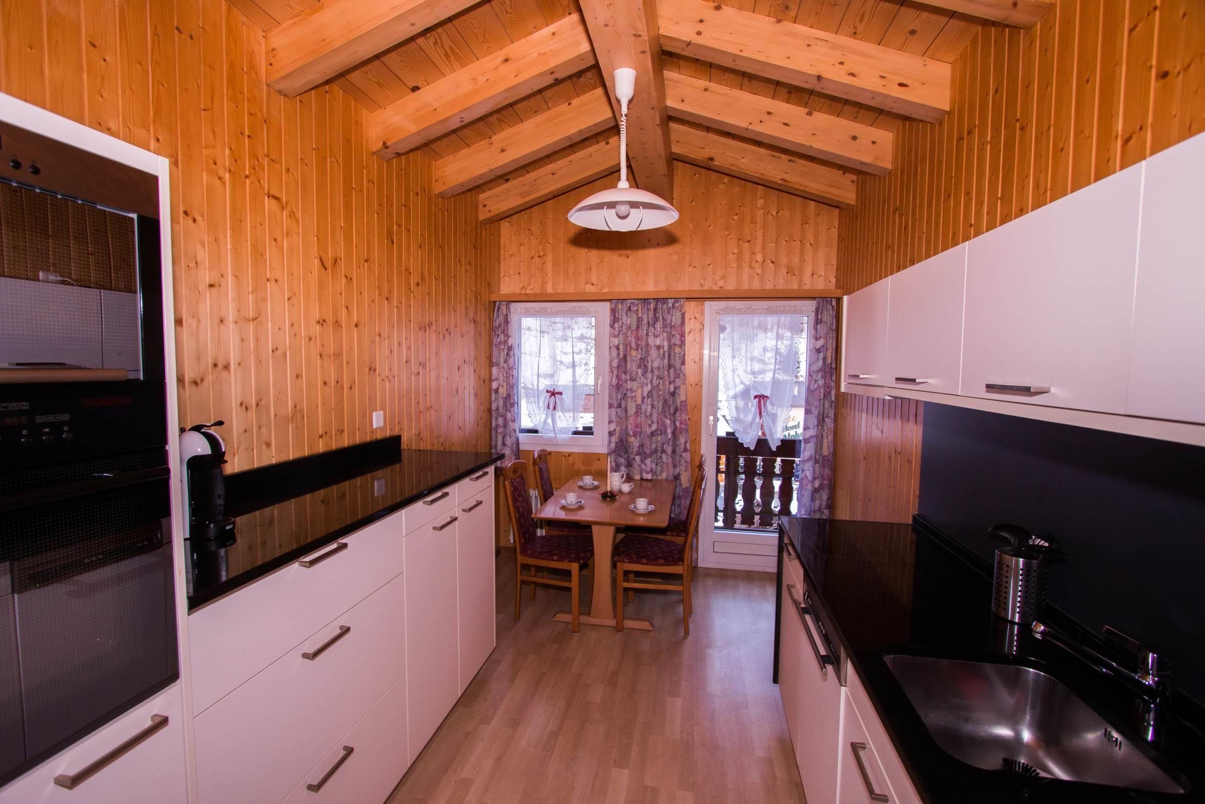 Küche vom Eingang Richtung Westen - Ferienwohnung