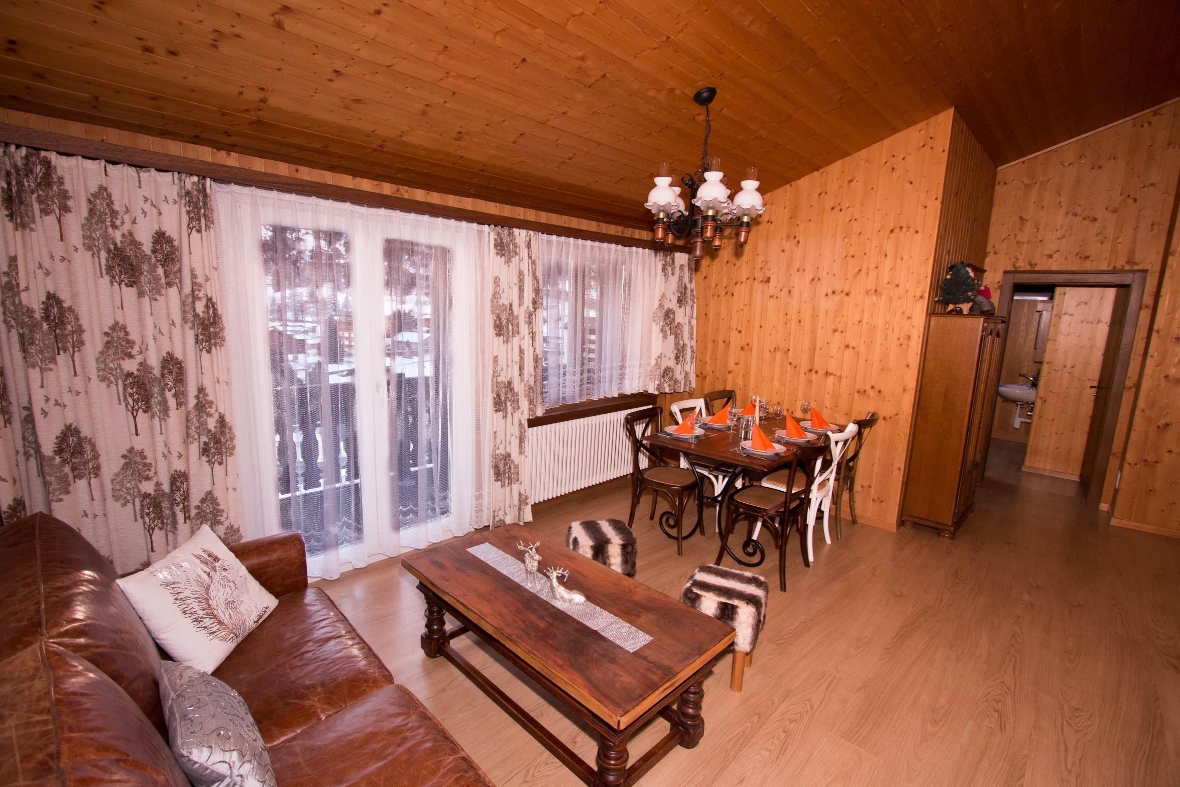 Wohnzimmer vom Elternschlafzimmer - Ferienwohnung