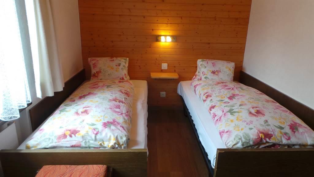8.1 2 Bett Zimmer