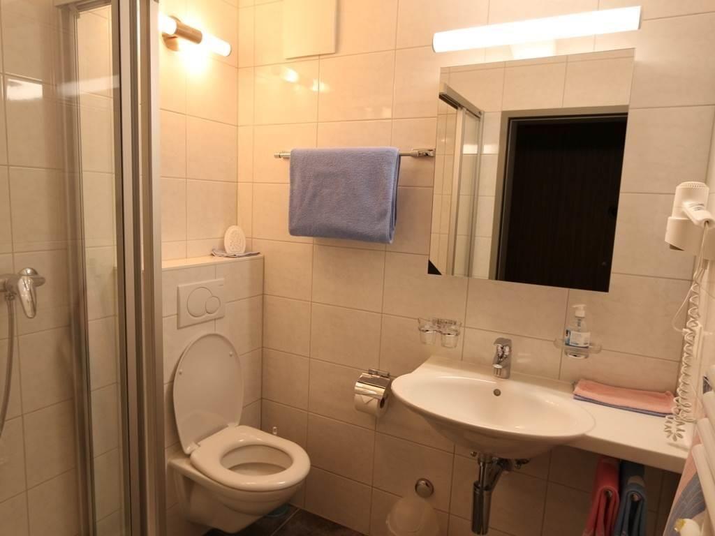 Badezimmer Wohnung 1