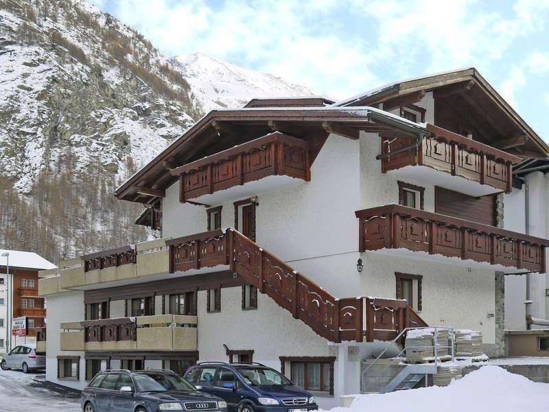 Haus-Quelle-Saas-Grund-Winter2