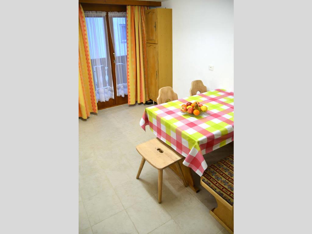 Haus Quelle Saas Grund 3 Zi-wohnung Essen