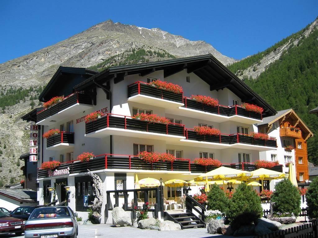 Hotel Mattmarkblick im Sommer