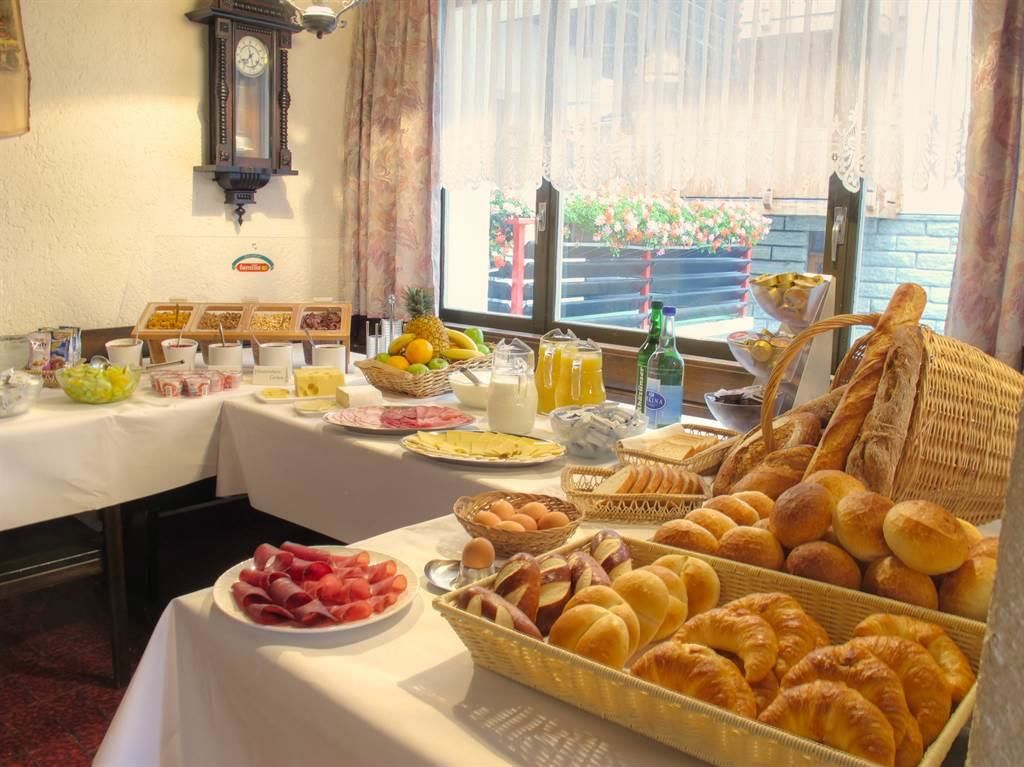 Frühstücksbuffet im Hotel Mattmarkblick