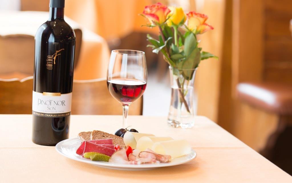 Wein und Speisen