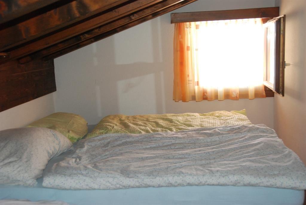 oberes Schlafzimmer Dachschräge
