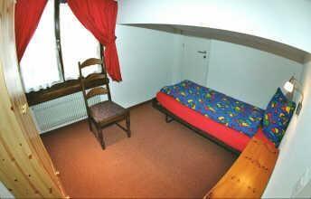 Einzelzimmer rot
