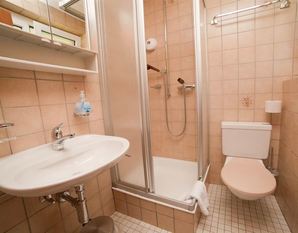 Hotel Astoria - Bad im Einzelzimmer
