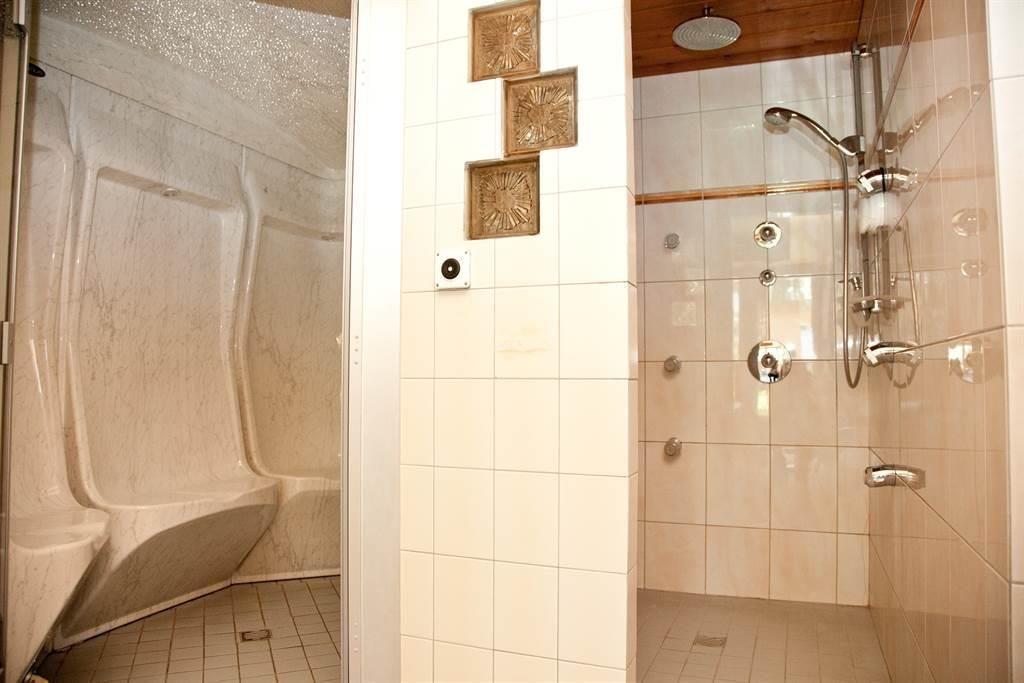 Hotel Astoria Dampfbad mit Dusche
