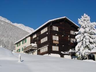 Hausbild Winter