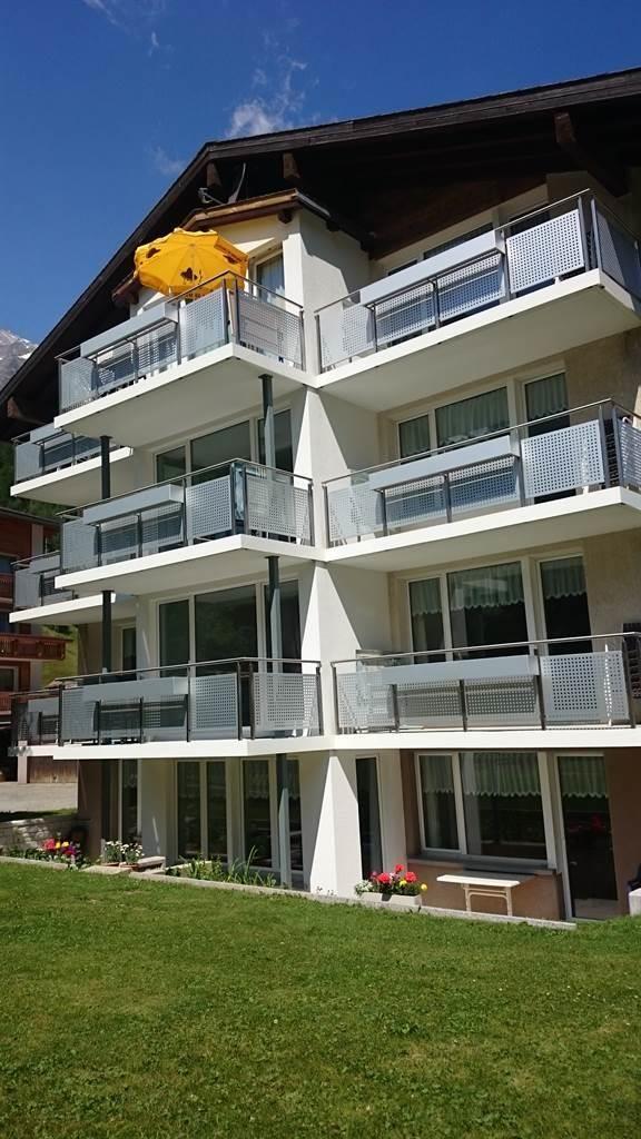 Haus Amici, Sommer mit Rasenplatz