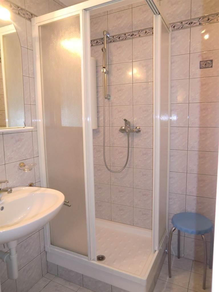 Alcazar WC/Dusche 2