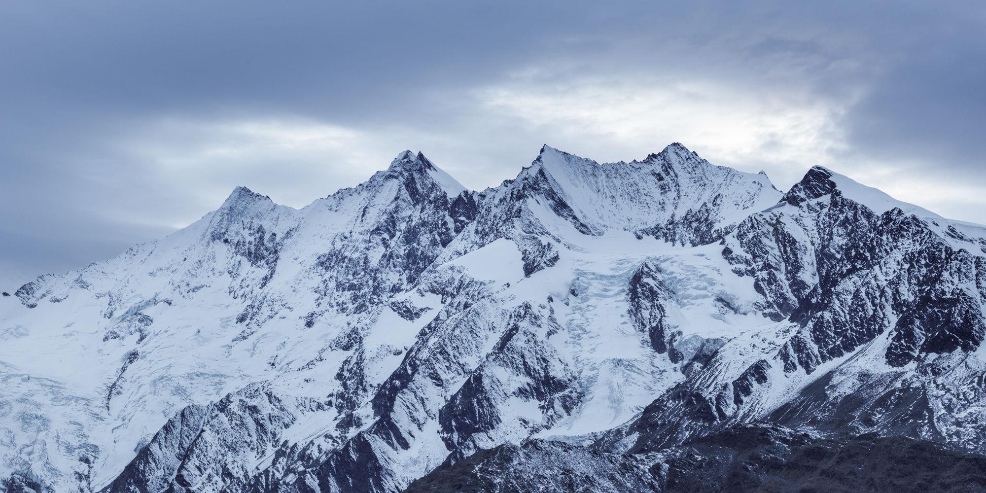 Bergkette Saas-Fee - Freie Ferienrepublik Saas-Fee
