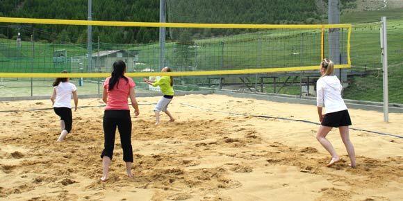 Beachvolleyball in der Freien Ferienrepublik Saas-Fee