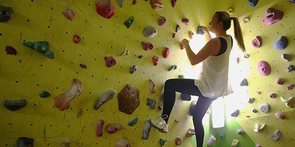Bouldern in der Freien Ferienrepublik Saas-Fee