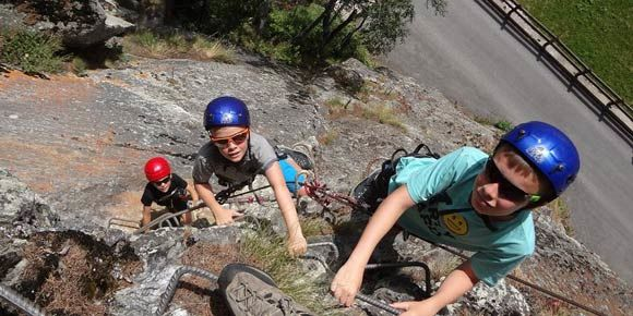 Mini Kletterseig in der Freien Ferienrepublik Saas-Fee
