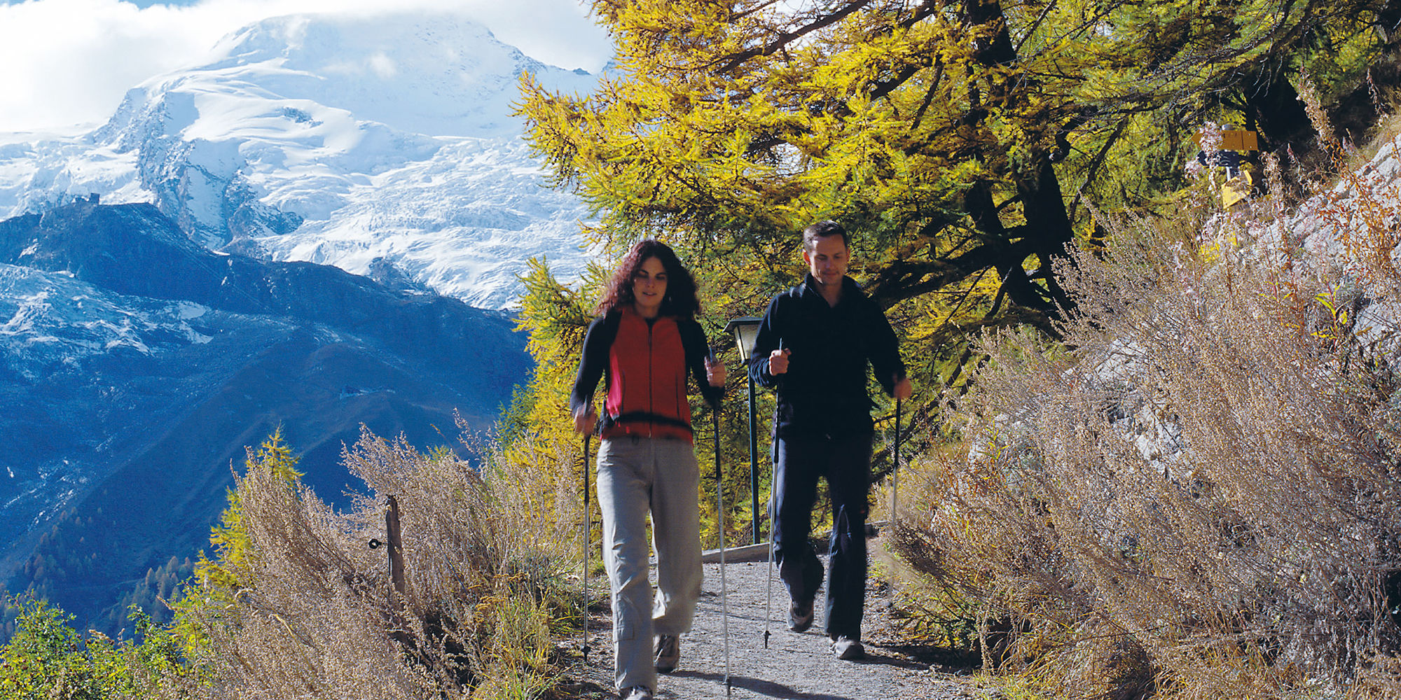 Nordic Walking in der Freien Ferienrepublik Saas-Fee