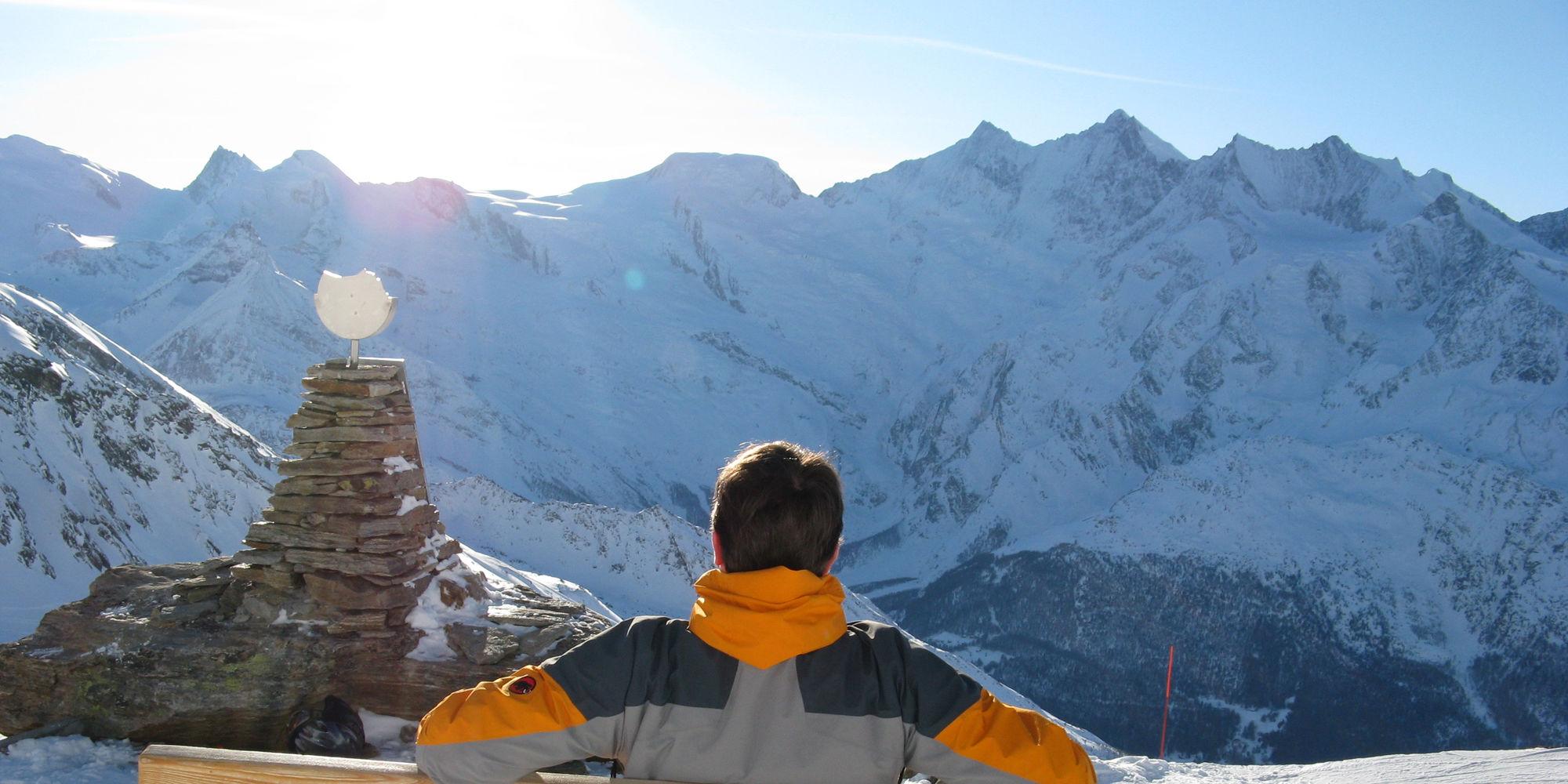 18 4,000 metre peaks in the Free Republic of Holidays Saas-Fee
