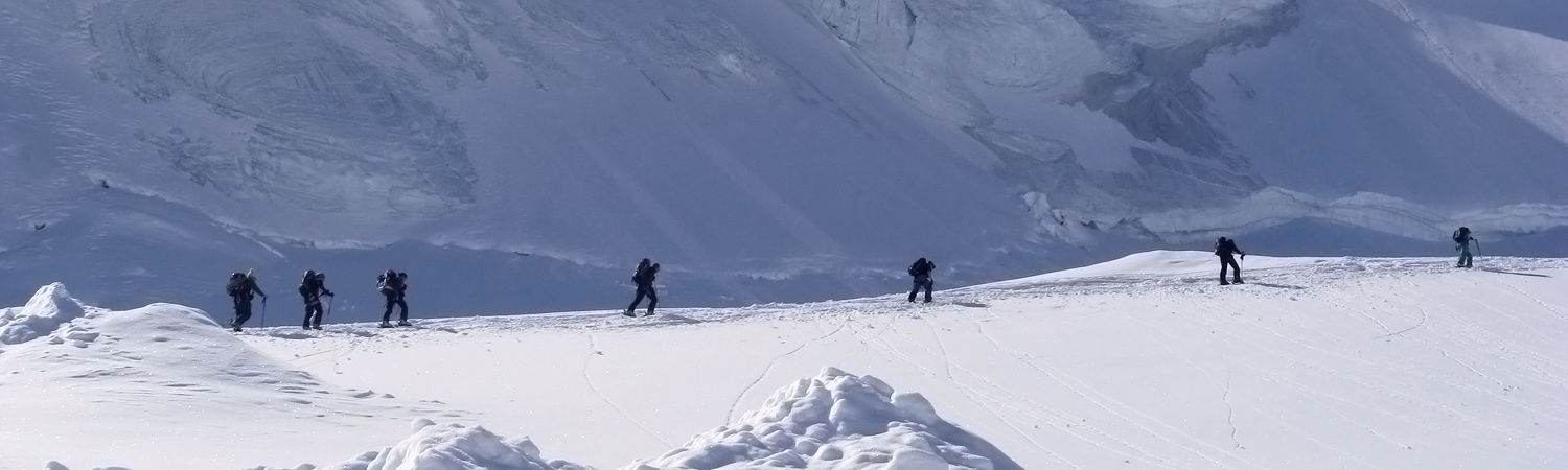 Mountain guides in the Free Republic of Holidays Saas-Fee