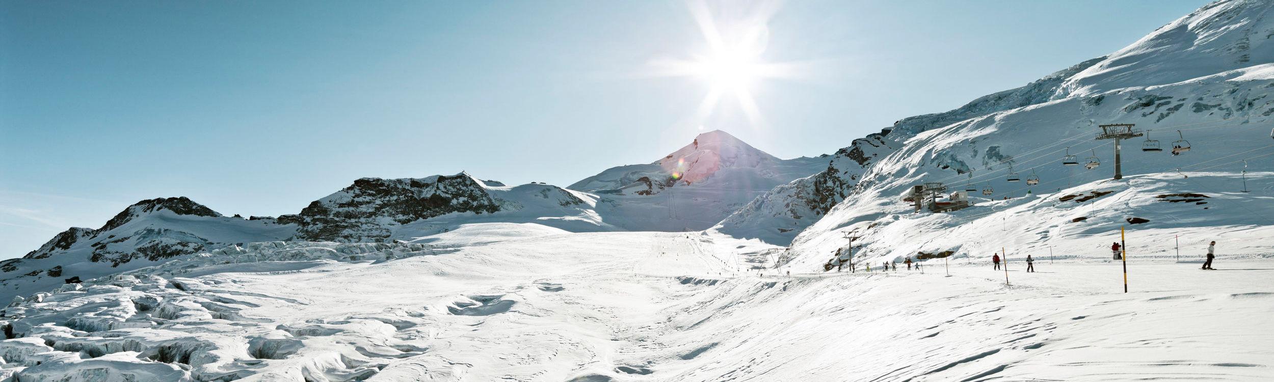 Saas-Fee Winterpanorama