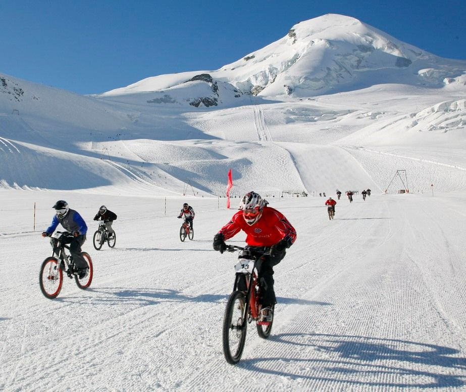 """Glacier Bike Downhill Saas-Fee"""