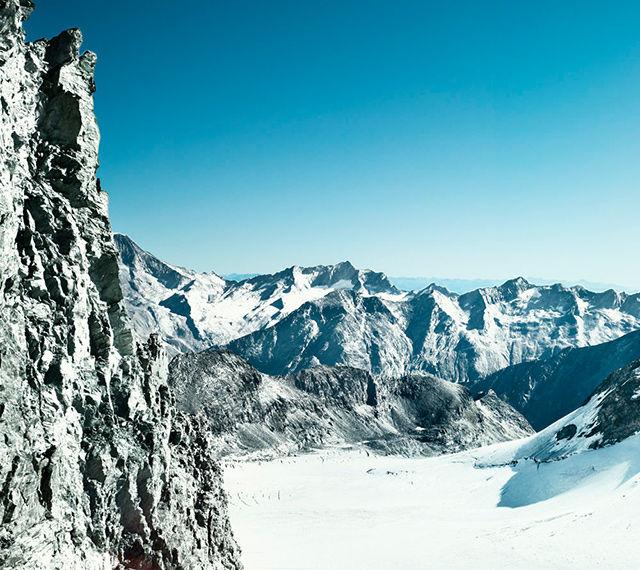 Panorama d'hiver Saas-Fee
