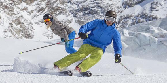 Skifahren in der Freien Ferienrepublik Saas-Fee