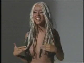 Christina aguilera nipple slips
