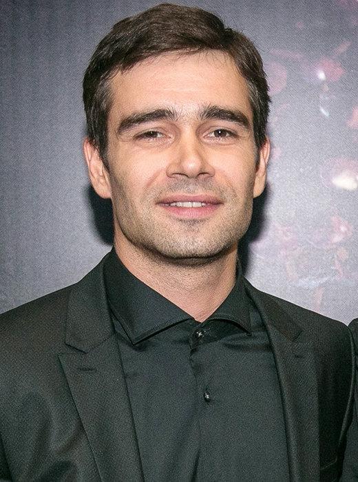 Русские молодые актеры мужчины список